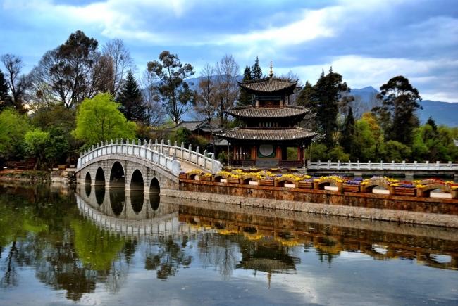Viaje a Shangri-La en China o a Lhasa en Tíbet acompañado desde Buenos Aires con guía de habla hispana