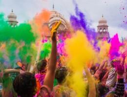 India y Nepal Misticos con Holi