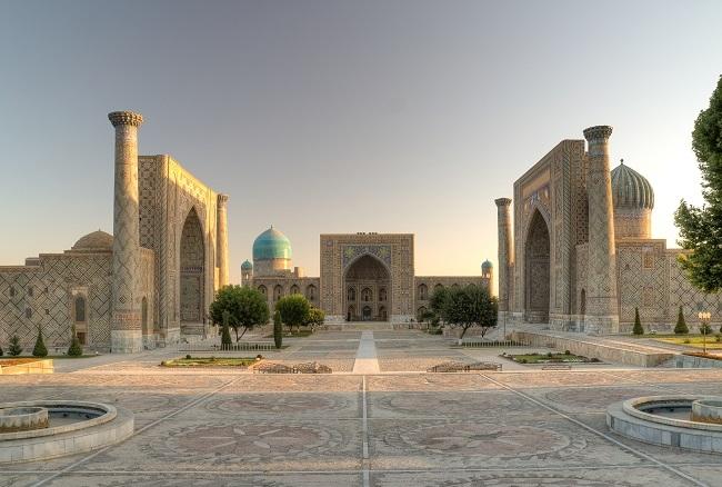 Uzbekistán completo