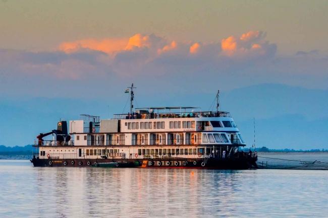 Safari de Aventura navegando el río Brahmaputra
