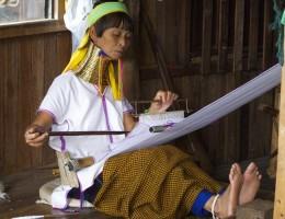 Norte de Tailandia y mujeres jirafa